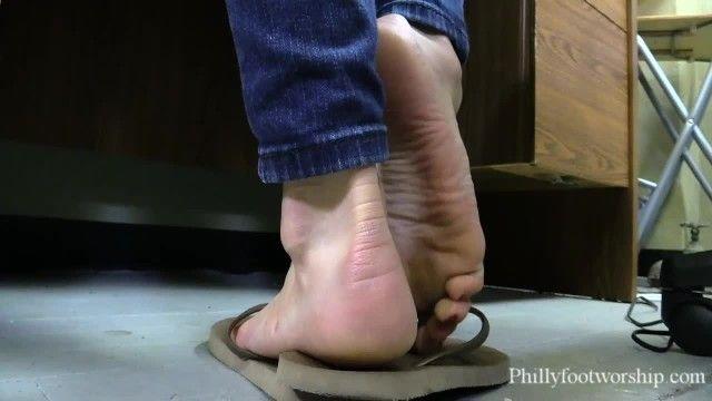 Super sexy fl street hooker makes you cum smelly stinky indecent flip flops feet