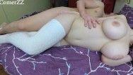 Adolescente in età legale non professionista scopa con giganteschi mambos naturali cavalca crack bagnati