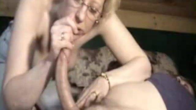 Older debbie engulf sleeping pecker