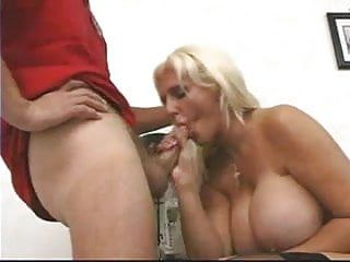 Delivery dude acquires to fuck this large tittie golden-haired